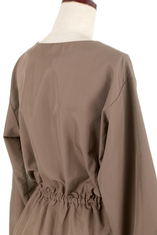 WaistGatheredBlouseウエストギャザー・ブラウス大人カジュアルに最適な海外ファッションのothers(その他インポートアイテム)のトップスやシャツ・ブラウス。スッキリとした首周りで人気の長袖ブラウス。数種類のボタンをアクセントして使用して可愛らしさもアピール。/main-22