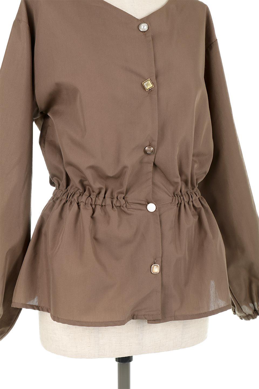 WaistGatheredBlouseウエストギャザー・ブラウス大人カジュアルに最適な海外ファッションのothers(その他インポートアイテム)のトップスやシャツ・ブラウス。スッキリとした首周りで人気の長袖ブラウス。数種類のボタンをアクセントして使用して可愛らしさもアピール。/main-23