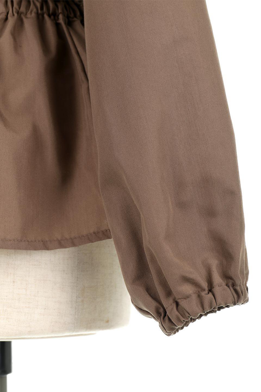 WaistGatheredBlouseウエストギャザー・ブラウス大人カジュアルに最適な海外ファッションのothers(その他インポートアイテム)のトップスやシャツ・ブラウス。スッキリとした首周りで人気の長袖ブラウス。数種類のボタンをアクセントして使用して可愛らしさもアピール。/main-24