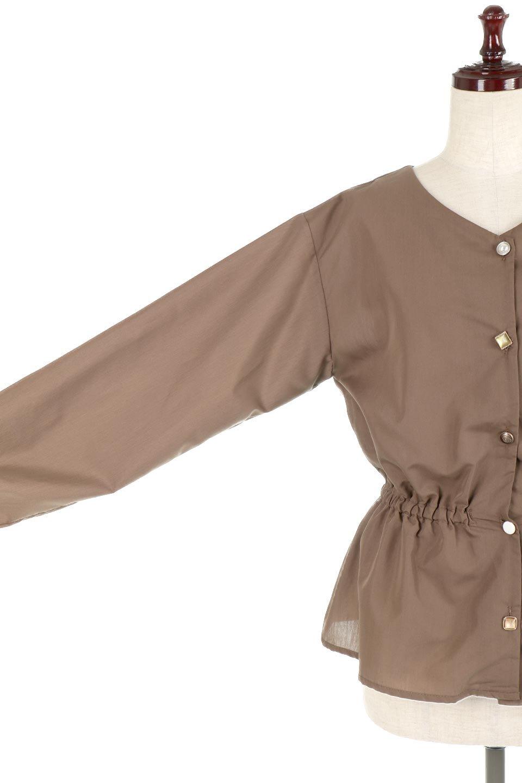 WaistGatheredBlouseウエストギャザー・ブラウス大人カジュアルに最適な海外ファッションのothers(その他インポートアイテム)のトップスやシャツ・ブラウス。スッキリとした首周りで人気の長袖ブラウス。数種類のボタンをアクセントして使用して可愛らしさもアピール。/main-26