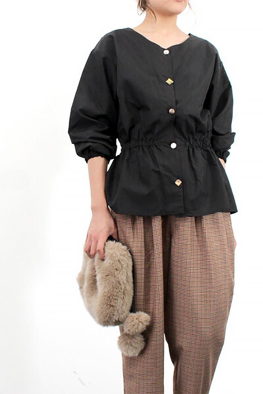 WaistGatheredBlouseウエストギャザー・ブラウス大人カジュアルに最適な海外ファッションのothers(その他インポートアイテム)のトップスやシャツ・ブラウス。スッキリとした首周りで人気の長袖ブラウス。数種類のボタンをアクセントして使用して可愛らしさもアピール。/main-28