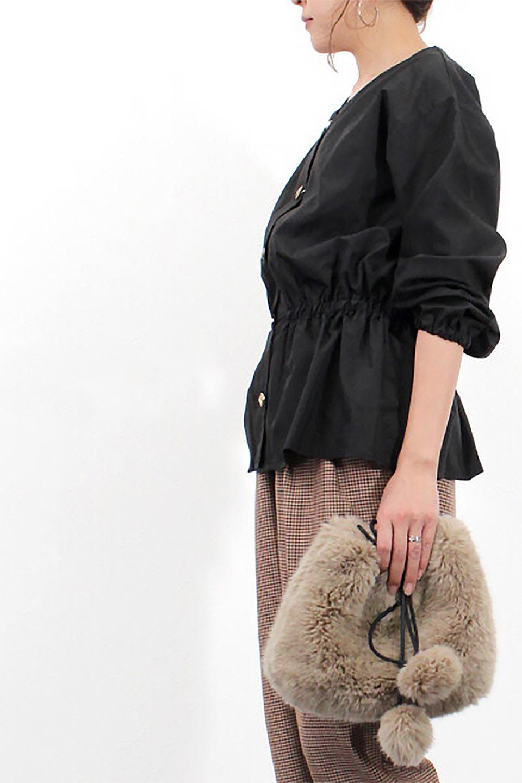 WaistGatheredBlouseウエストギャザー・ブラウス大人カジュアルに最適な海外ファッションのothers(その他インポートアイテム)のトップスやシャツ・ブラウス。スッキリとした首周りで人気の長袖ブラウス。数種類のボタンをアクセントして使用して可愛らしさもアピール。/main-29