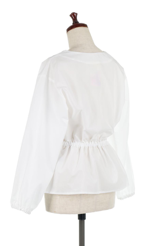 WaistGatheredBlouseウエストギャザー・ブラウス大人カジュアルに最適な海外ファッションのothers(その他インポートアイテム)のトップスやシャツ・ブラウス。スッキリとした首周りで人気の長袖ブラウス。数種類のボタンをアクセントして使用して可愛らしさもアピール。/main-8