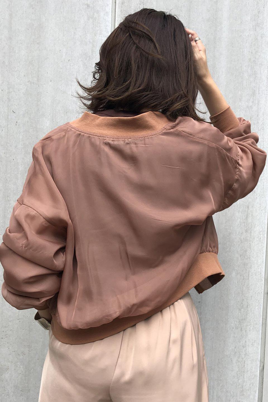 SheerShortBlousonチュール・MA−1ブルゾン大人カジュアルに最適な海外ファッションのothers(その他インポートアイテム)のアウターやジャケット。ほんのり透け感が楽しめるMA-1タイプのブルゾン。充分にゆとりを持たせた袖が透け感を演出します。/main-24