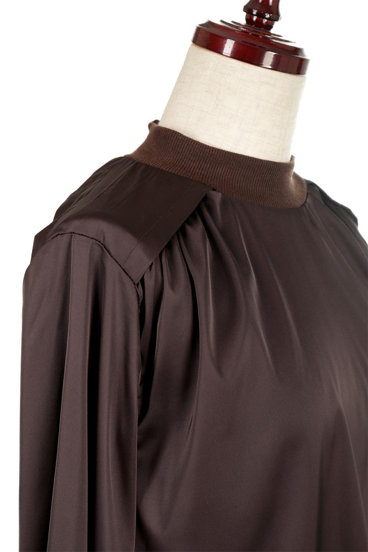 GatheredSatinBlouseサテン・ギャザーブラウス大人カジュアルに最適な海外ファッションのothers(その他インポートアイテム)のトップスやシャツ・ブラウス。サテン地で女性らしく華奢な印象にのブラウス。肩タックからのギャザーの流れが美しいブラウスです。/main-10