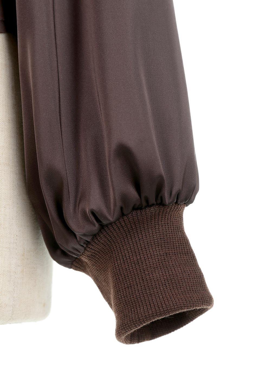 GatheredSatinBlouseサテン・ギャザーブラウス大人カジュアルに最適な海外ファッションのothers(その他インポートアイテム)のトップスやシャツ・ブラウス。サテン地で女性らしく華奢な印象にのブラウス。肩タックからのギャザーの流れが美しいブラウスです。/main-13