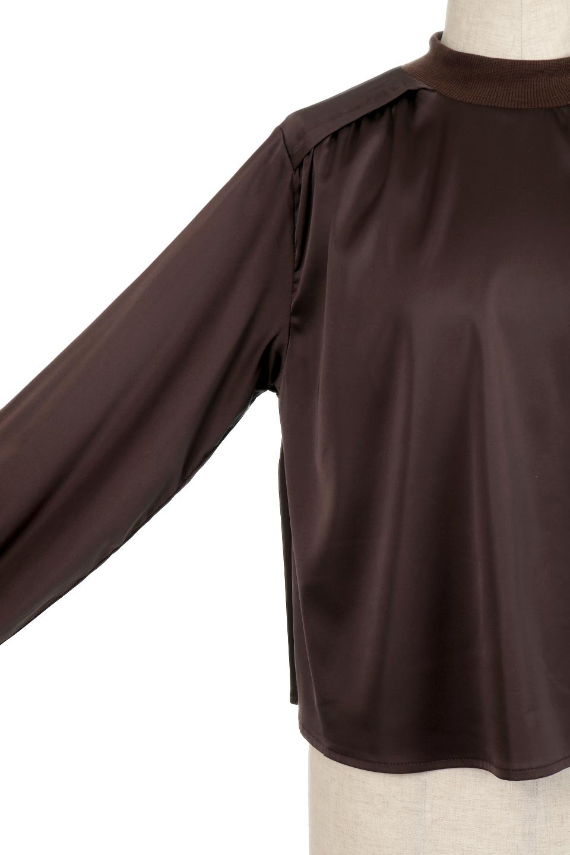 GatheredSatinBlouseサテン・ギャザーブラウス大人カジュアルに最適な海外ファッションのothers(その他インポートアイテム)のトップスやシャツ・ブラウス。サテン地で女性らしく華奢な印象にのブラウス。肩タックからのギャザーの流れが美しいブラウスです。/main-14