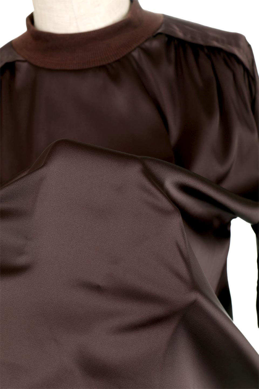 GatheredSatinBlouseサテン・ギャザーブラウス大人カジュアルに最適な海外ファッションのothers(その他インポートアイテム)のトップスやシャツ・ブラウス。サテン地で女性らしく華奢な印象にのブラウス。肩タックからのギャザーの流れが美しいブラウスです。/main-15