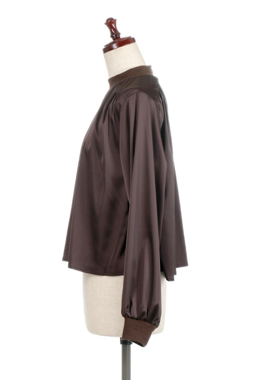 GatheredSatinBlouseサテン・ギャザーブラウス大人カジュアルに最適な海外ファッションのothers(その他インポートアイテム)のトップスやシャツ・ブラウス。サテン地で女性らしく華奢な印象にのブラウス。肩タックからのギャザーの流れが美しいブラウスです。/main-7