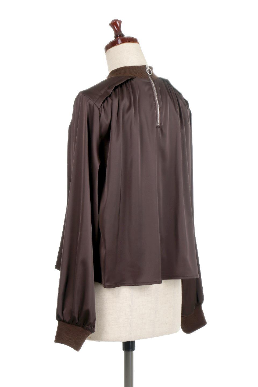 GatheredSatinBlouseサテン・ギャザーブラウス大人カジュアルに最適な海外ファッションのothers(その他インポートアイテム)のトップスやシャツ・ブラウス。サテン地で女性らしく華奢な印象にのブラウス。肩タックからのギャザーの流れが美しいブラウスです。/main-8