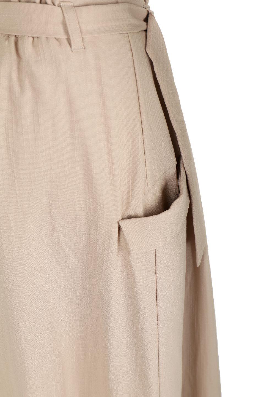 WrappedFlareLongSkirtラップフレア・ロングスカート大人カジュアルに最適な海外ファッションのothers(その他インポートアイテム)のボトムやスカート。気になる旬のディテールたっぷりなラップフレアロングスカート。ウエストマークでバランスが取りやすく、ベルトのエッジを効いたスカート。/main-16