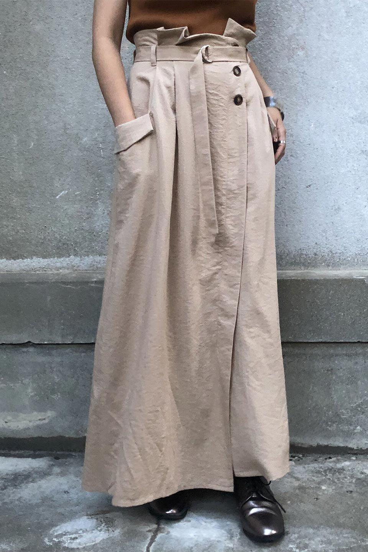 WrappedFlareLongSkirtラップフレア・ロングスカート大人カジュアルに最適な海外ファッションのothers(その他インポートアイテム)のボトムやスカート。気になる旬のディテールたっぷりなラップフレアロングスカート。ウエストマークでバランスが取りやすく、ベルトのエッジを効いたスカート。/main-20