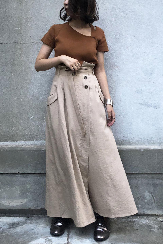 WrappedFlareLongSkirtラップフレア・ロングスカート大人カジュアルに最適な海外ファッションのothers(その他インポートアイテム)のボトムやスカート。気になる旬のディテールたっぷりなラップフレアロングスカート。ウエストマークでバランスが取りやすく、ベルトのエッジを効いたスカート。/main-21