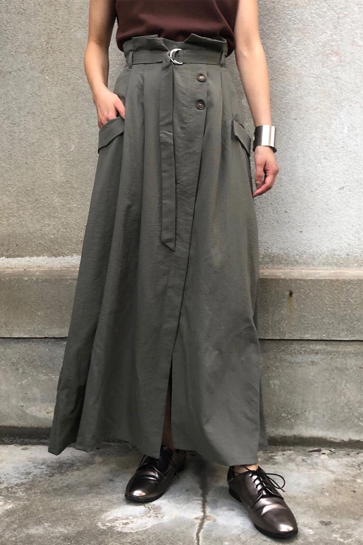 WrappedFlareLongSkirtラップフレア・ロングスカート大人カジュアルに最適な海外ファッションのothers(その他インポートアイテム)のボトムやスカート。気になる旬のディテールたっぷりなラップフレアロングスカート。ウエストマークでバランスが取りやすく、ベルトのエッジを効いたスカート。/main-23