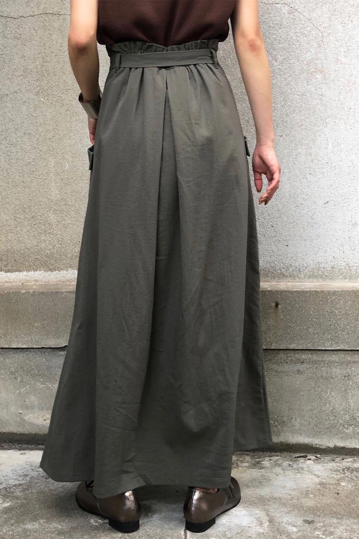 WrappedFlareLongSkirtラップフレア・ロングスカート大人カジュアルに最適な海外ファッションのothers(その他インポートアイテム)のボトムやスカート。気になる旬のディテールたっぷりなラップフレアロングスカート。ウエストマークでバランスが取りやすく、ベルトのエッジを効いたスカート。/main-24