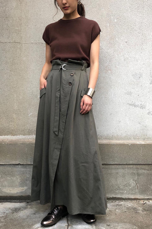 WrappedFlareLongSkirtラップフレア・ロングスカート大人カジュアルに最適な海外ファッションのothers(その他インポートアイテム)のボトムやスカート。気になる旬のディテールたっぷりなラップフレアロングスカート。ウエストマークでバランスが取りやすく、ベルトのエッジを効いたスカート。/main-25