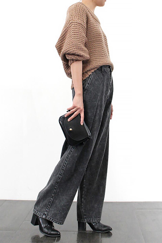StraightWideLegDenimPantsストレートデニム・ワイドパンツ大人カジュアルに最適な海外ファッションのothers(その他インポートアイテム)のボトムやパンツ。きれいなラインが出る油デニム素材のワイドパンツ。カジュアルなデニムのワイドパンツですが、シックなブラック系で大人っぽいコーデを楽しめます。/main-17