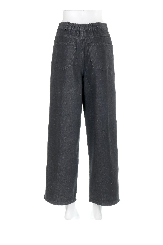 StraightWideLegDenimPantsストレートデニム・ワイドパンツ大人カジュアルに最適な海外ファッションのothers(その他インポートアイテム)のボトムやパンツ。きれいなラインが出る油デニム素材のワイドパンツ。カジュアルなデニムのワイドパンツですが、シックなブラック系で大人っぽいコーデを楽しめます。/main-9