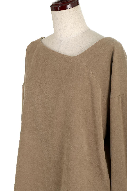 AsymmetricalV-NeckBlouseアシメントリー・Vネックブラウス大人カジュアルに最適な海外ファッションのothers(その他インポートアイテム)のアウターやジャケット。左右非対称のアシメントリーデザインが可愛い長袖ブラウス。温かみのある起毛されたヌバック風素材が季節感を演出。/main-21