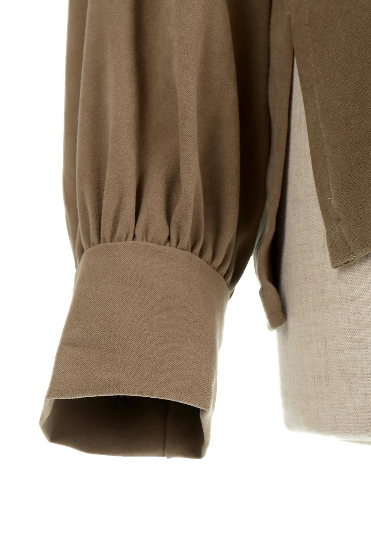 AsymmetricalV-NeckBlouseアシメントリー・Vネックブラウス大人カジュアルに最適な海外ファッションのothers(その他インポートアイテム)のアウターやジャケット。左右非対称のアシメントリーデザインが可愛い長袖ブラウス。温かみのある起毛されたヌバック風素材が季節感を演出。/main-25