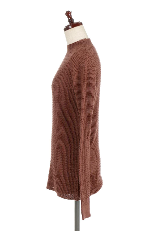 CottonWaffleHigh-NeckTopワッフル・ハイネックトップス大人カジュアルに最適な海外ファッションのothers(その他インポートアイテム)のトップスやカットソー。アウターのインナーとしても大活躍間違い無しのワッフル・ハイネックトップス。ハイネックのシンプルデザインと長めの袖が可愛いトップスです。/main-7