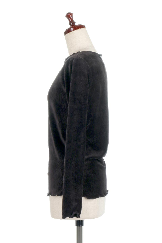 VelourCorduroyBoatNeckTopベロアコーデュロイ・ボートネックトップス大人カジュアルに最適な海外ファッションのothers(その他インポートアイテム)のトップスやカットソー。上品な光沢感が自慢のベロア個ーづロイを使用したトップス。凹凸感のあるストレッチ素材なので、細身の袖でも窮屈感はありません。/main-17
