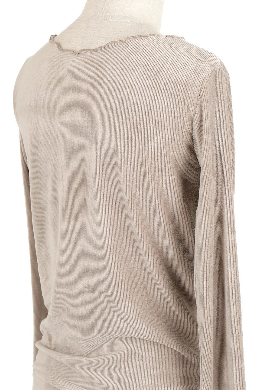 VelourCorduroyBoatNeckTopベロアコーデュロイ・ボートネックトップス大人カジュアルに最適な海外ファッションのothers(その他インポートアイテム)のトップスやカットソー。上品な光沢感が自慢のベロア個ーづロイを使用したトップス。凹凸感のあるストレッチ素材なので、細身の袖でも窮屈感はありません。/main-23