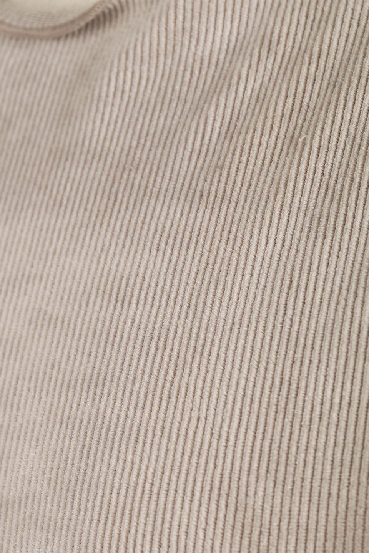 VelourCorduroyBoatNeckTopベロアコーデュロイ・ボートネックトップス大人カジュアルに最適な海外ファッションのothers(その他インポートアイテム)のトップスやカットソー。上品な光沢感が自慢のベロア個ーづロイを使用したトップス。凹凸感のあるストレッチ素材なので、細身の袖でも窮屈感はありません。/main-25