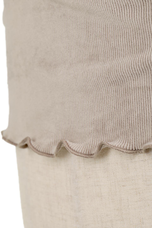 VelourCorduroyBoatNeckTopベロアコーデュロイ・ボートネックトップス大人カジュアルに最適な海外ファッションのothers(その他インポートアイテム)のトップスやカットソー。上品な光沢感が自慢のベロア個ーづロイを使用したトップス。凹凸感のあるストレッチ素材なので、細身の袖でも窮屈感はありません。/main-28