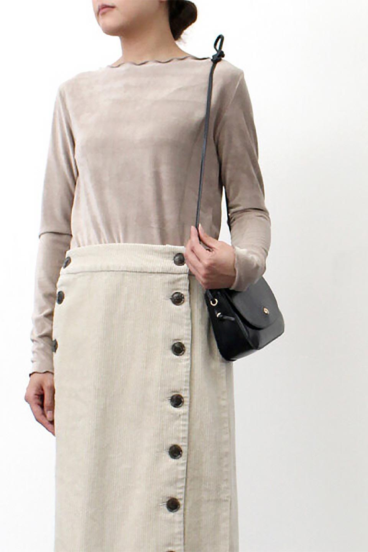 VelourCorduroyBoatNeckTopベロアコーデュロイ・ボートネックトップス大人カジュアルに最適な海外ファッションのothers(その他インポートアイテム)のトップスやカットソー。上品な光沢感が自慢のベロア個ーづロイを使用したトップス。凹凸感のあるストレッチ素材なので、細身の袖でも窮屈感はありません。/main-30