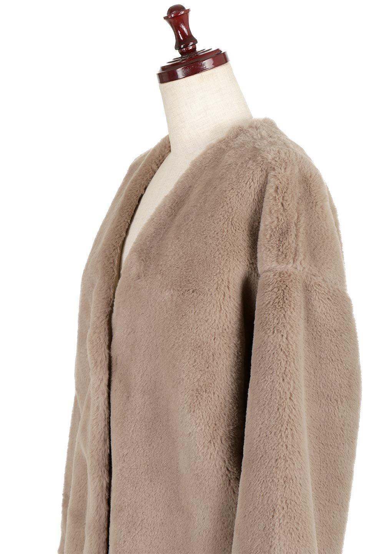 VelourEcoFurCollarlessLongCoatベロア風エコファー・ロングコート大人カジュアルに最適な海外ファッションのothers(その他インポートアイテム)のアウターやコート。ベロア風のエコファーを用いたノーカラーのロングコート。合わせるインナーを選ばないオールマイティーなアイテム。/main-11