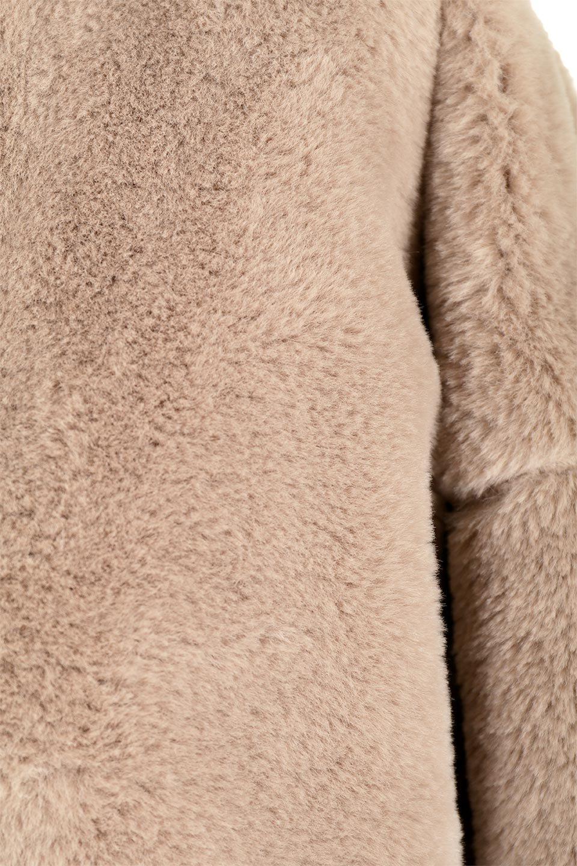 VelourEcoFurCollarlessLongCoatベロア風エコファー・ロングコート大人カジュアルに最適な海外ファッションのothers(その他インポートアイテム)のアウターやコート。ベロア風のエコファーを用いたノーカラーのロングコート。合わせるインナーを選ばないオールマイティーなアイテム。/main-14