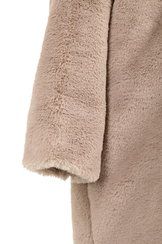 VelourEcoFurCollarlessLongCoatベロア風エコファー・ロングコート大人カジュアルに最適な海外ファッションのothers(その他インポートアイテム)のアウターやコート。ベロア風のエコファーを用いたノーカラーのロングコート。合わせるインナーを選ばないオールマイティーなアイテム。/main-15