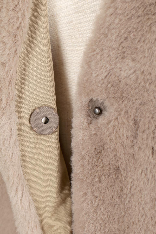 VelourEcoFurCollarlessLongCoatベロア風エコファー・ロングコート大人カジュアルに最適な海外ファッションのothers(その他インポートアイテム)のアウターやコート。ベロア風のエコファーを用いたノーカラーのロングコート。合わせるインナーを選ばないオールマイティーなアイテム。/main-16