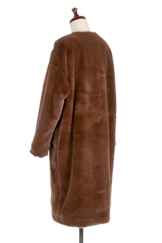 VelourEcoFurCollarlessLongCoatベロア風エコファー・ロングコート大人カジュアルに最適な海外ファッションのothers(その他インポートアイテム)のアウターやコート。ベロア風のエコファーを用いたノーカラーのロングコート。合わせるインナーを選ばないオールマイティーなアイテム。/main-8