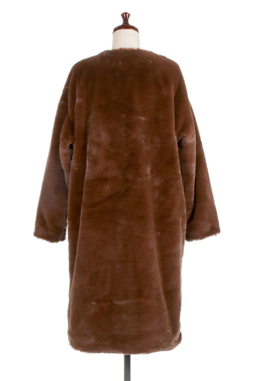 VelourEcoFurCollarlessLongCoatベロア風エコファー・ロングコート大人カジュアルに最適な海外ファッションのothers(その他インポートアイテム)のアウターやコート。ベロア風のエコファーを用いたノーカラーのロングコート。合わせるインナーを選ばないオールマイティーなアイテム。/main-9