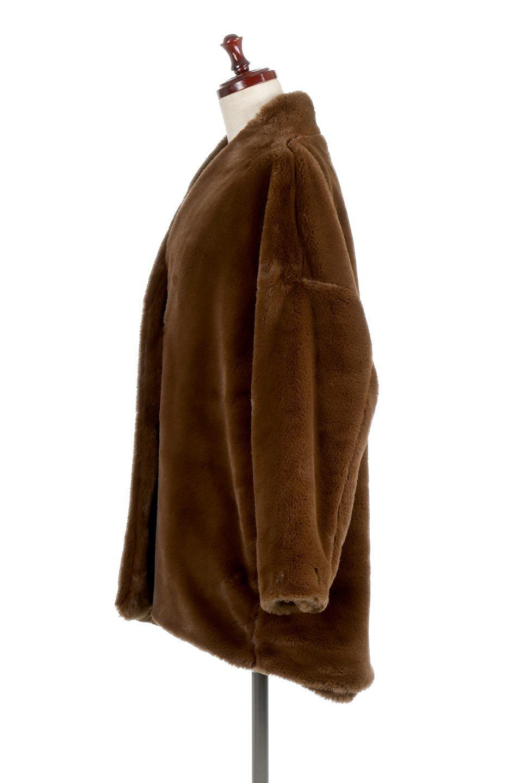 VelourEcoFurCollarlessShortCoatベロア風エコファー・ショートコート大人カジュアルに最適な海外ファッションのothers(その他インポートアイテム)のアウターやコート。ベロア風のエコファーを用いたノーカラーのショートコート。合わせるインナーを選ばないオールマイティーなアイテムです。/main-12