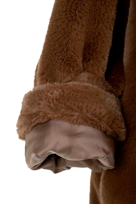 VelourEcoFurCollarlessShortCoatベロア風エコファー・ショートコート大人カジュアルに最適な海外ファッションのothers(その他インポートアイテム)のアウターやコート。ベロア風のエコファーを用いたノーカラーのショートコート。合わせるインナーを選ばないオールマイティーなアイテムです。/main-19