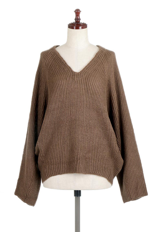 DolmanSleeveVNeckKnitTopドルマンスリーブ・モヘア風ニット大人カジュアルに最適な海外ファッションのothers(その他インポートアイテム)のトップスやニット・セーター。何枚でも欲しくなるドルマンスリーブのゆったりニット。スカートでもパンツでもオールマイティーにコーデが楽しめる便利トップスです。/main-10