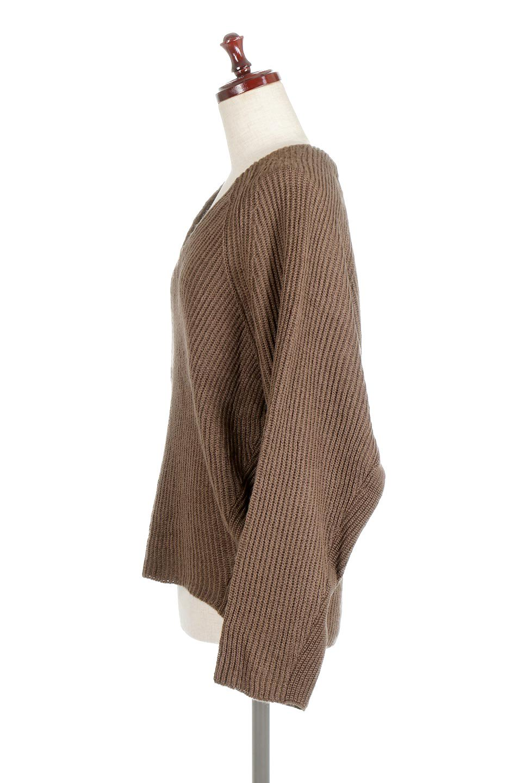DolmanSleeveVNeckKnitTopドルマンスリーブ・モヘア風ニット大人カジュアルに最適な海外ファッションのothers(その他インポートアイテム)のトップスやニット・セーター。何枚でも欲しくなるドルマンスリーブのゆったりニット。スカートでもパンツでもオールマイティーにコーデが楽しめる便利トップスです。/main-12