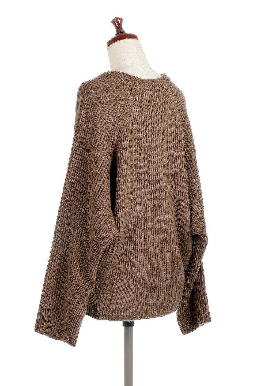 DolmanSleeveVNeckKnitTopドルマンスリーブ・モヘア風ニット大人カジュアルに最適な海外ファッションのothers(その他インポートアイテム)のトップスやニット・セーター。何枚でも欲しくなるドルマンスリーブのゆったりニット。スカートでもパンツでもオールマイティーにコーデが楽しめる便利トップスです。/main-13