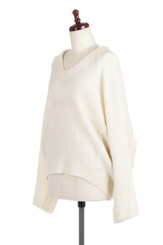 DolmanSleeveVNeckKnitTopドルマンスリーブ・モヘア風ニット大人カジュアルに最適な海外ファッションのothers(その他インポートアイテム)のトップスやニット・セーター。何枚でも欲しくなるドルマンスリーブのゆったりニット。スカートでもパンツでもオールマイティーにコーデが楽しめる便利トップスです。/main-6