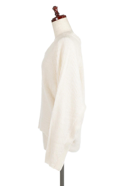 DolmanSleeveVNeckKnitTopドルマンスリーブ・モヘア風ニット大人カジュアルに最適な海外ファッションのothers(その他インポートアイテム)のトップスやニット・セーター。何枚でも欲しくなるドルマンスリーブのゆったりニット。スカートでもパンツでもオールマイティーにコーデが楽しめる便利トップスです。/main-7