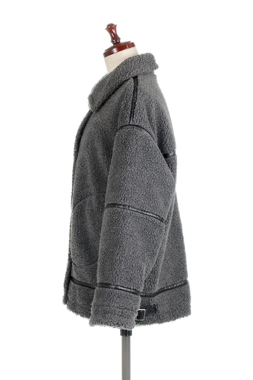 BoaFleeceFlightJacketボアフリース・フライトジャケット大人カジュアルに最適な海外ファッションのothers(その他インポートアイテム)のアウターやコート。フカフカのボアフリースを使用したフライトジャケット風のショートコート。メンズライクなディテールのジャケットをオーバーサイズで可愛く着崩せます。/main-7