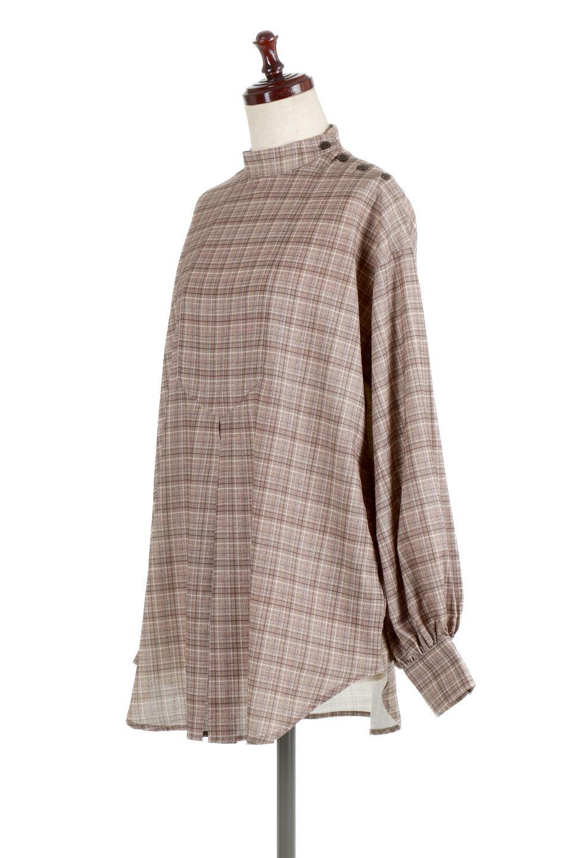CheckPrintedLongBlouseチェック柄・ロングブラウス大人カジュアルに最適な海外ファッションのothers(その他インポートアイテム)のトップスやシャツ・ブラウス。ゆったりシルエットのスタンドカラーブラウス。微妙な半端丈でブラウジングなどでも楽しめる便利なロングブラウス。/main-11