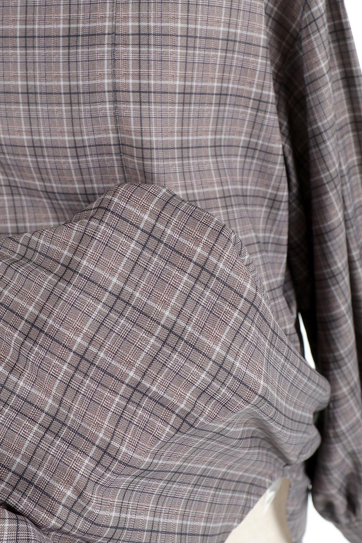 CheckPrintedLongBlouseチェック柄・ロングブラウス大人カジュアルに最適な海外ファッションのothers(その他インポートアイテム)のトップスやシャツ・ブラウス。ゆったりシルエットのスタンドカラーブラウス。微妙な半端丈でブラウジングなどでも楽しめる便利なロングブラウス。/main-22