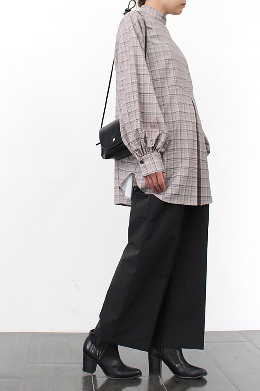 CheckPrintedLongBlouseチェック柄・ロングブラウス大人カジュアルに最適な海外ファッションのothers(その他インポートアイテム)のトップスやシャツ・ブラウス。ゆったりシルエットのスタンドカラーブラウス。微妙な半端丈でブラウジングなどでも楽しめる便利なロングブラウス。/main-24