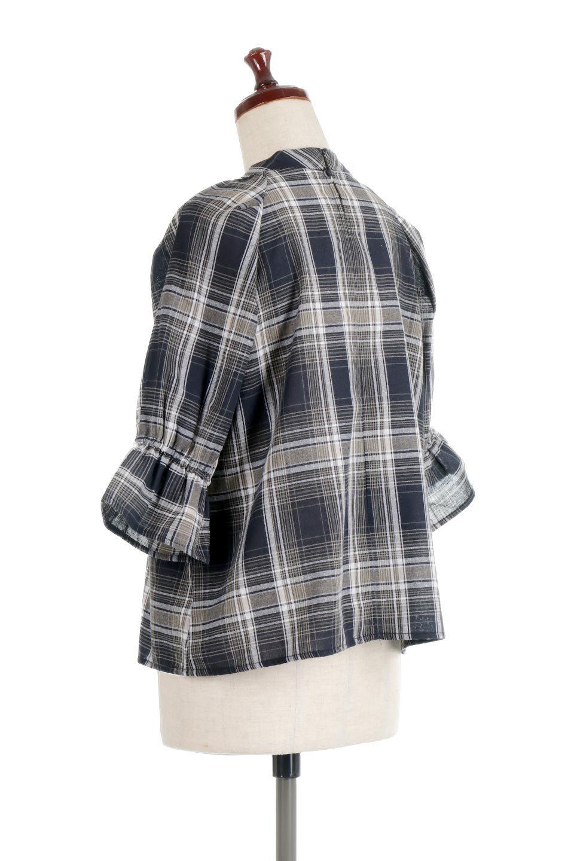 CandySleeveCheckBlouseキャンディースリーブ・チェック柄ブラウス大人カジュアルに最適な海外ファッションのothers(その他インポートアイテム)のトップスやシャツ・ブラウス。キャンディースリーブのボリュームが可愛いブラウス。チェック柄とシンプルな首周りでコーディネートの幅が広がります。/main-18