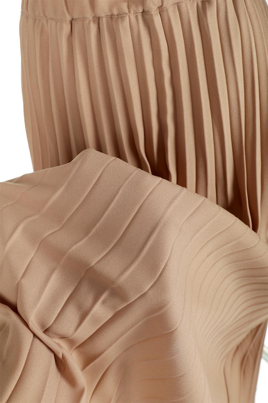 PleatedLongSkirt総プリーツ・ロングスカート大人カジュアルに最適な海外ファッションのothers(その他インポートアイテム)のボトムやスカート。季節を問わず人気のあるプリーツスカート。シックな上品コーデからスニーカーなどと合わせるカジュアルコーデまでこなしてくれます。/main-25