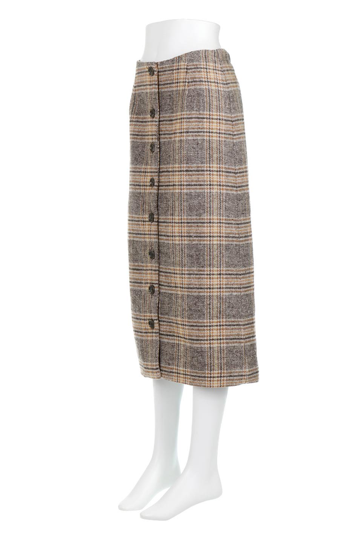 RetroCheckPatternedTweedSkirtレトロチェック・ツイードスカート大人カジュアルに最適な海外ファッションのothers(その他インポートアイテム)のボトムやスカート。温かみのあるツイード風のチェック生地が可愛いロングスカート。素材の雰囲気を生かしたレトロなチェック柄がおすすめポイントです。/main-1